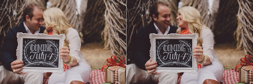 Cute holiday pregnancy announcement